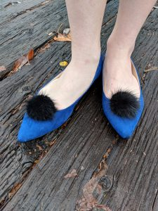 black pom pom shoe clips