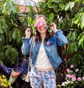 pink roses, spring fashion, floral shorts