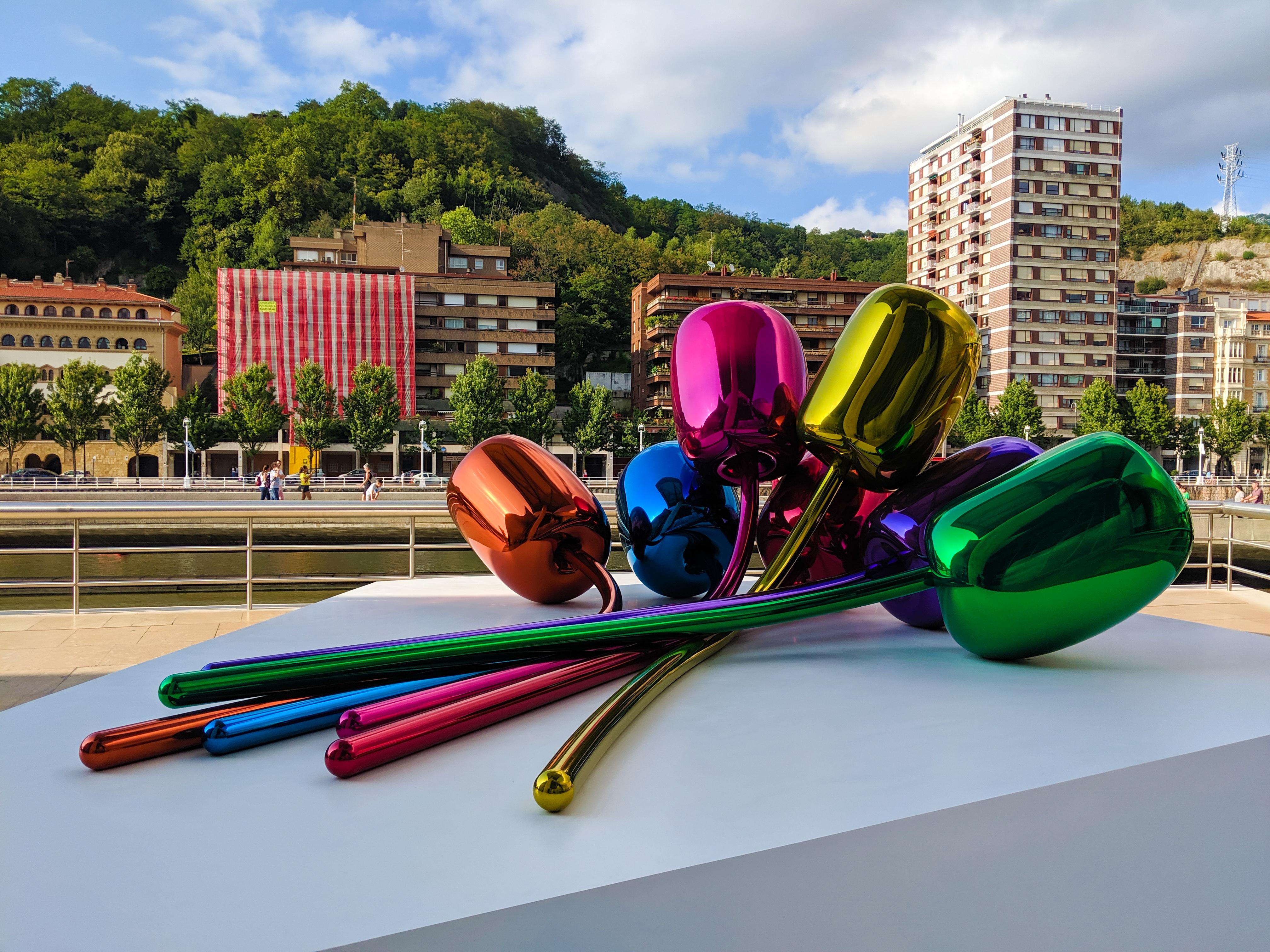 bilbao, Spain, Guggenheim Museum, balloon art, travel style
