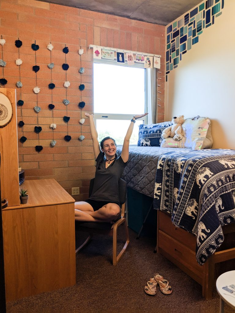dorm room tour, college dorm room, back to school