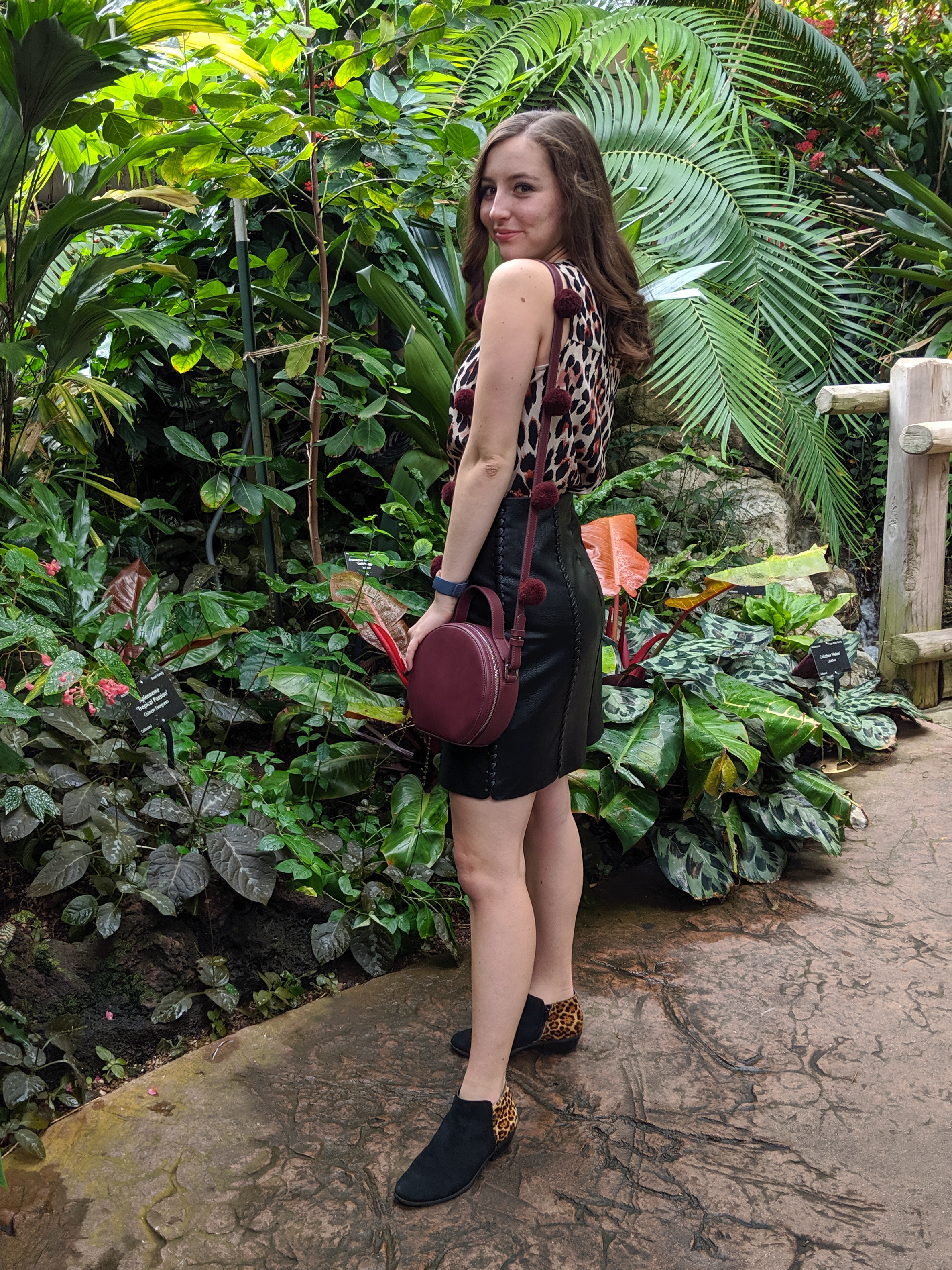Denver fashion blogger, Denver Botanic Gardens, burgundy crossbody purse, leopard booties