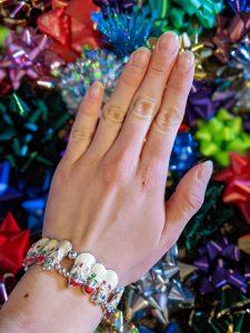 snowman bracelet, wrapping bows, nail art tutorial