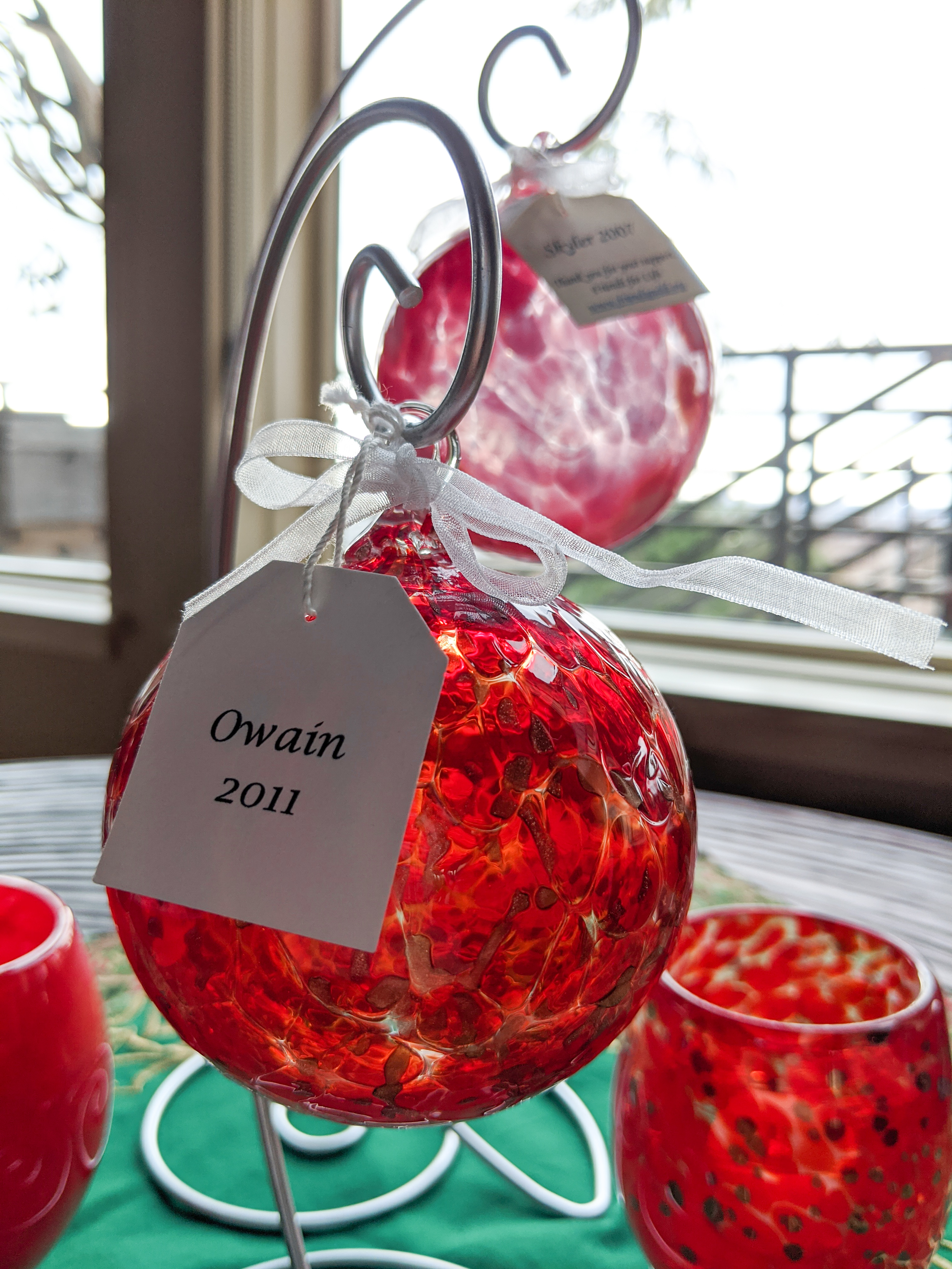 red Christmas ornaments, glass ornaments, Christmas trees
