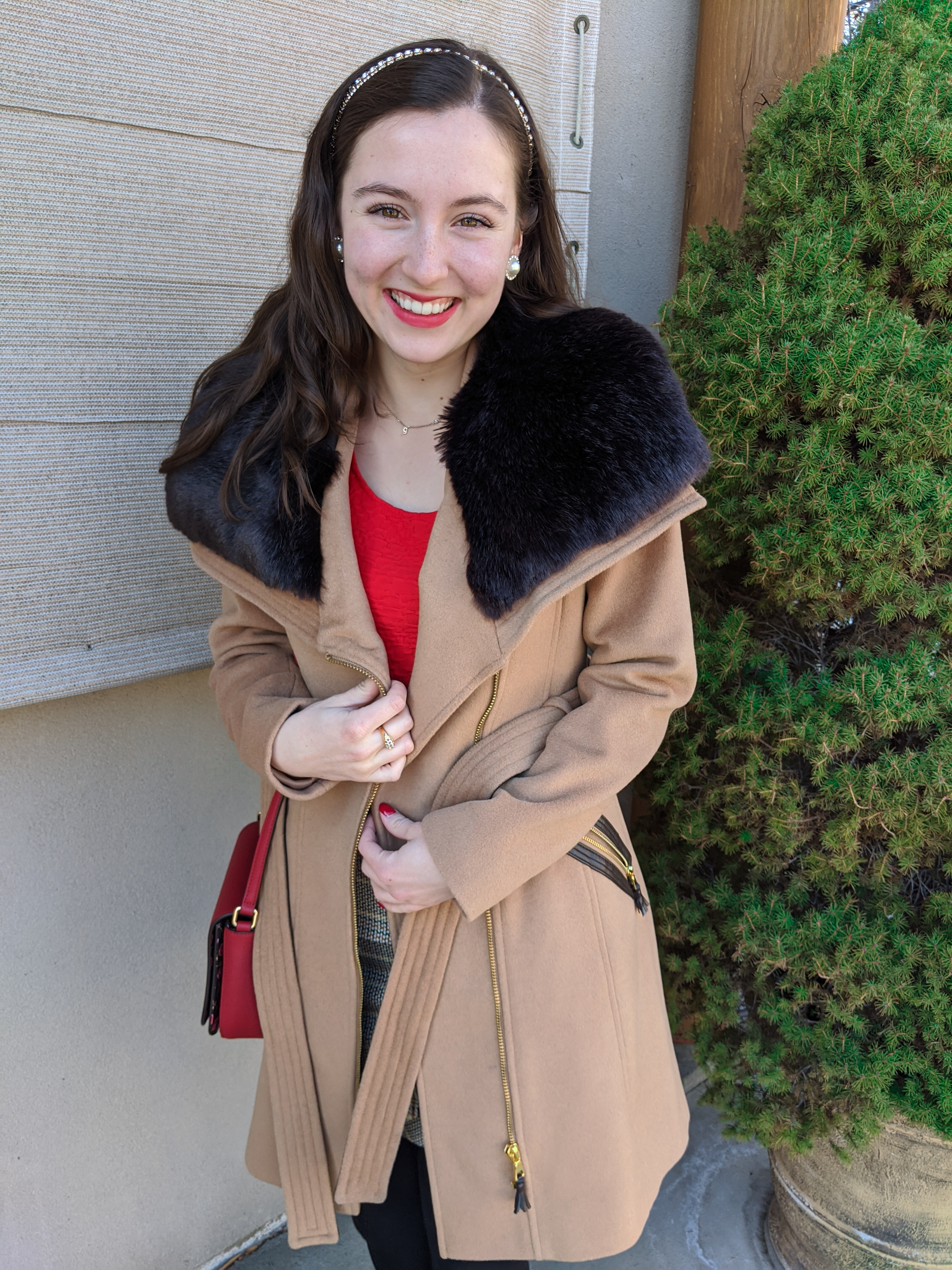 luxe coat, fur coat, red blouse, red lipstick