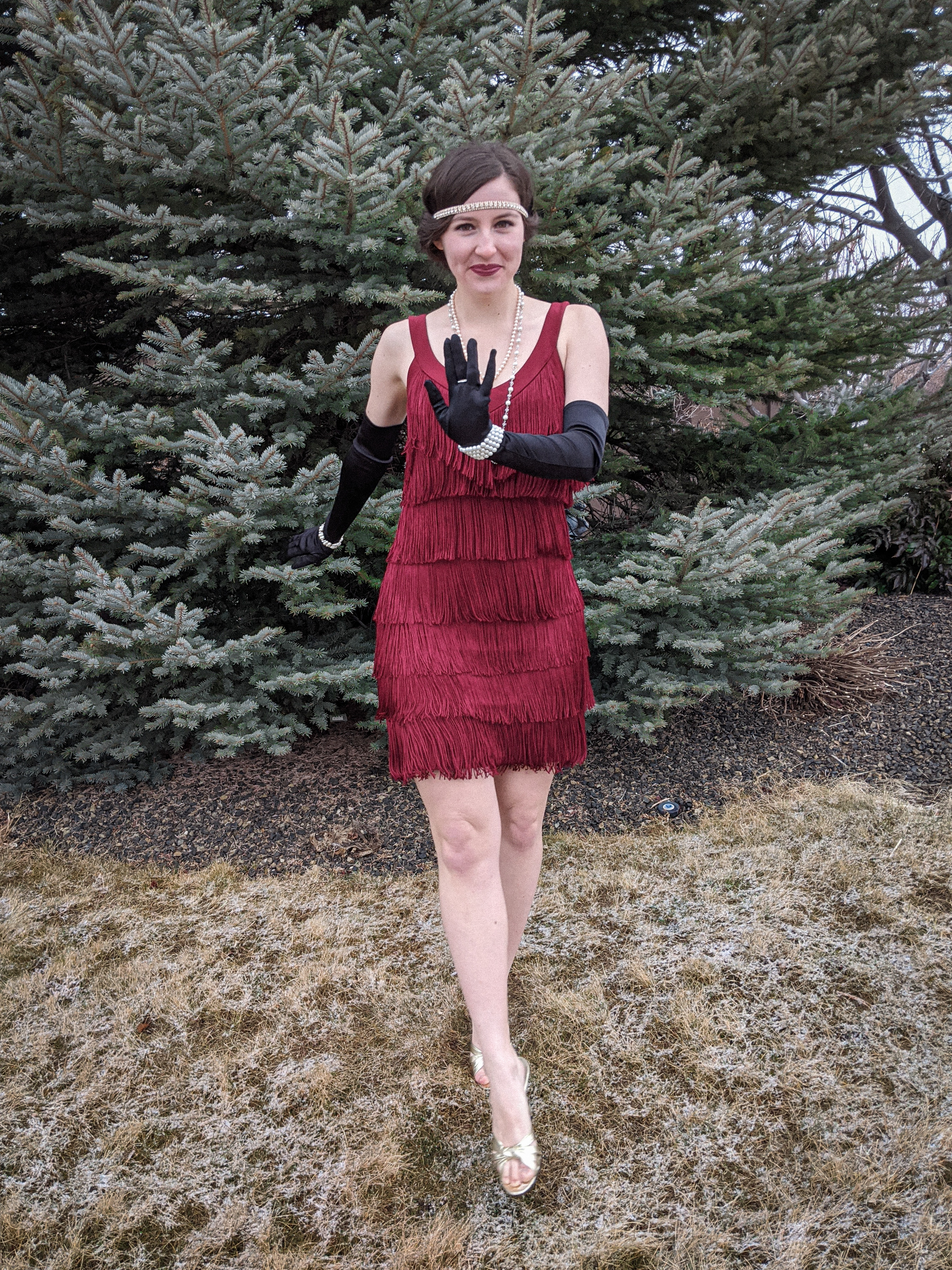 flapper girl outfit, Charleston dance, roaring 20s, NYE
