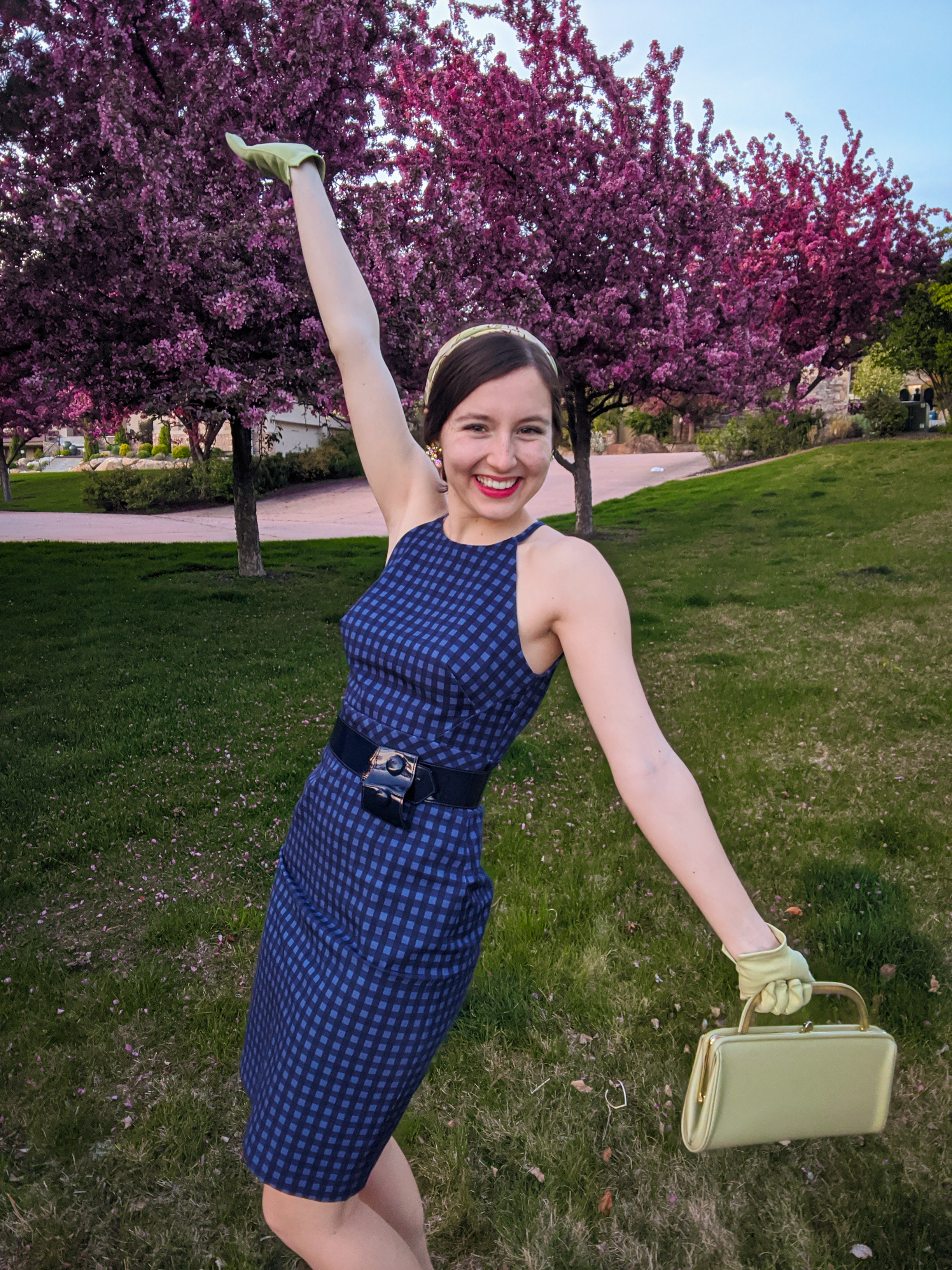 1950s style, 1960s style, green purse, green gloves