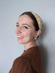 green hair scarf, brown cableknit sweater, Banana Republic
