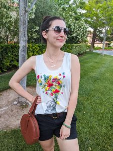 floral tank, circle purse, black shorts, summer style