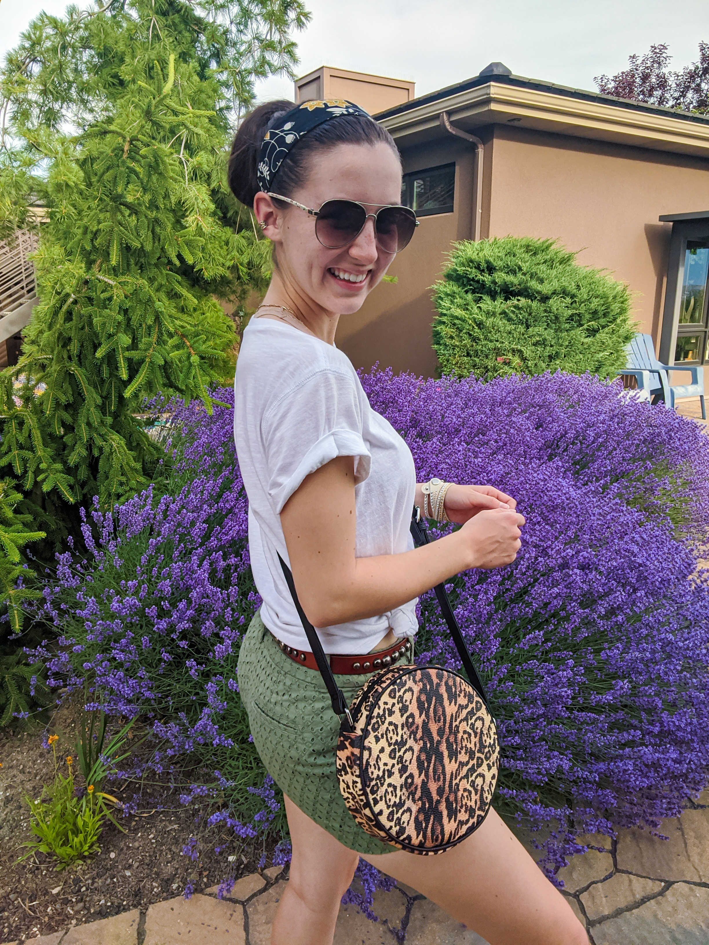 shorts-shopping-headband-leopard-circle-purse