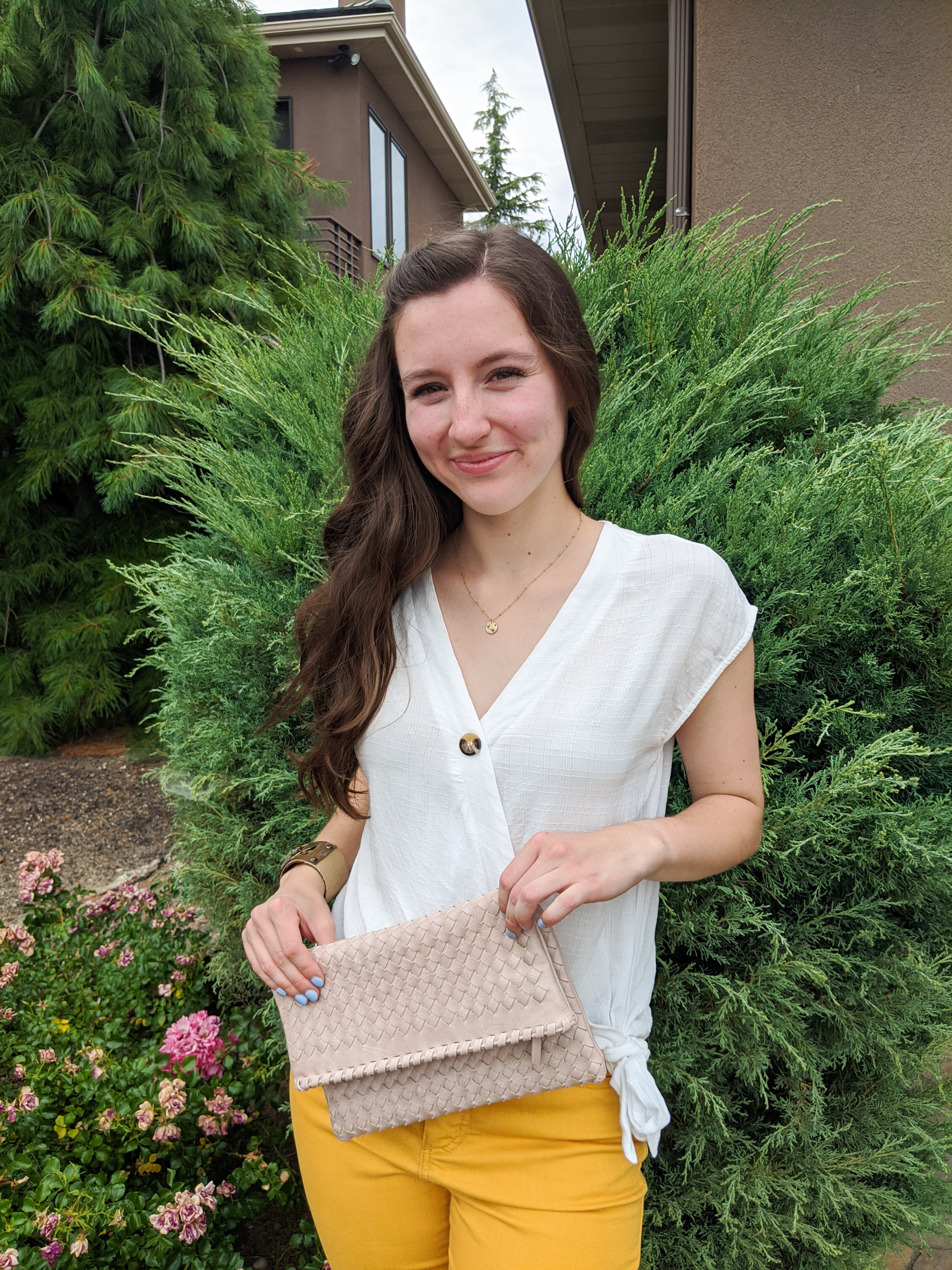 summer-style-woven-clutch-white-blouse-affordable-style