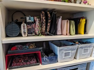 accessories-purse-organization-headbands-sunglasses