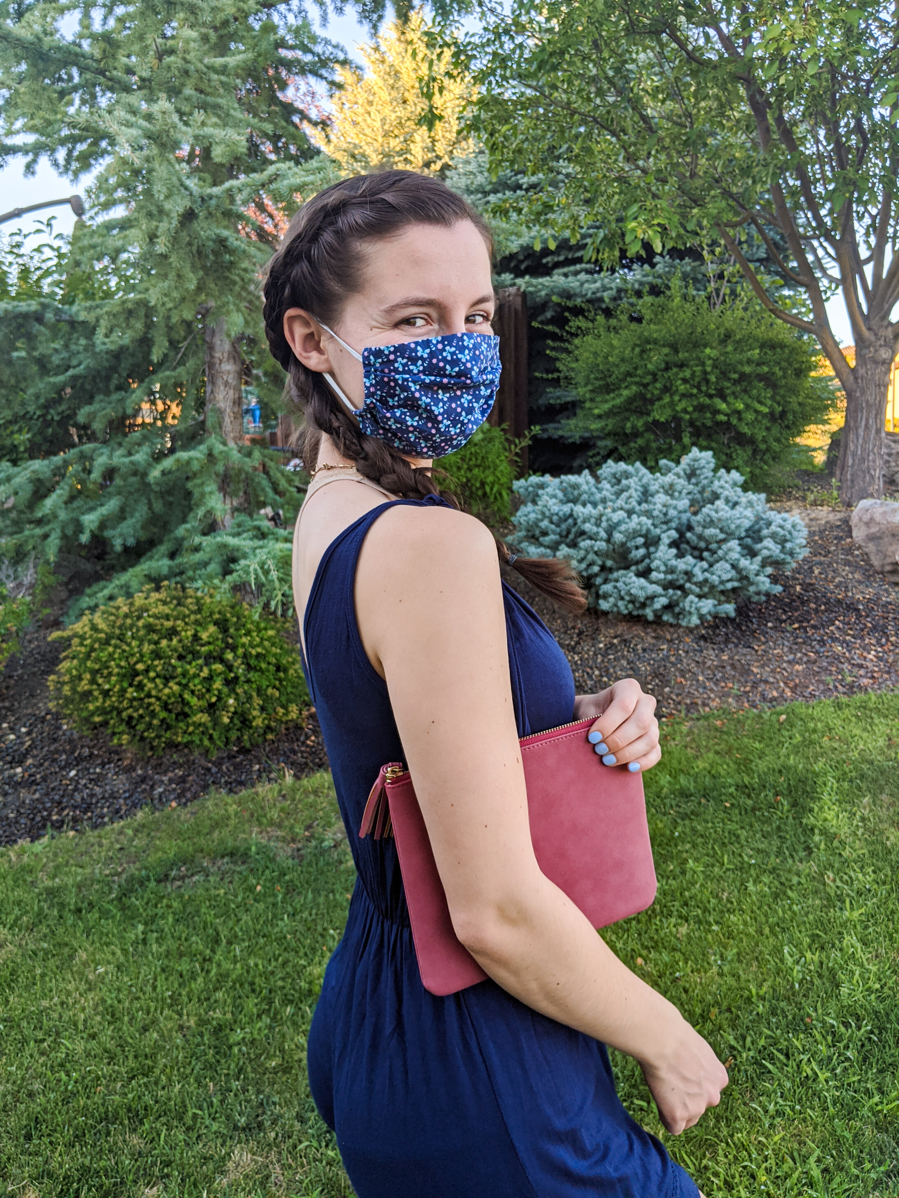 floral-face-mask-red-purse-Francesca's-mask-fashion