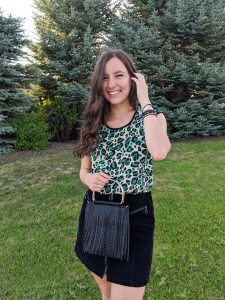 college-fashion-green-leopard-fall-outfit