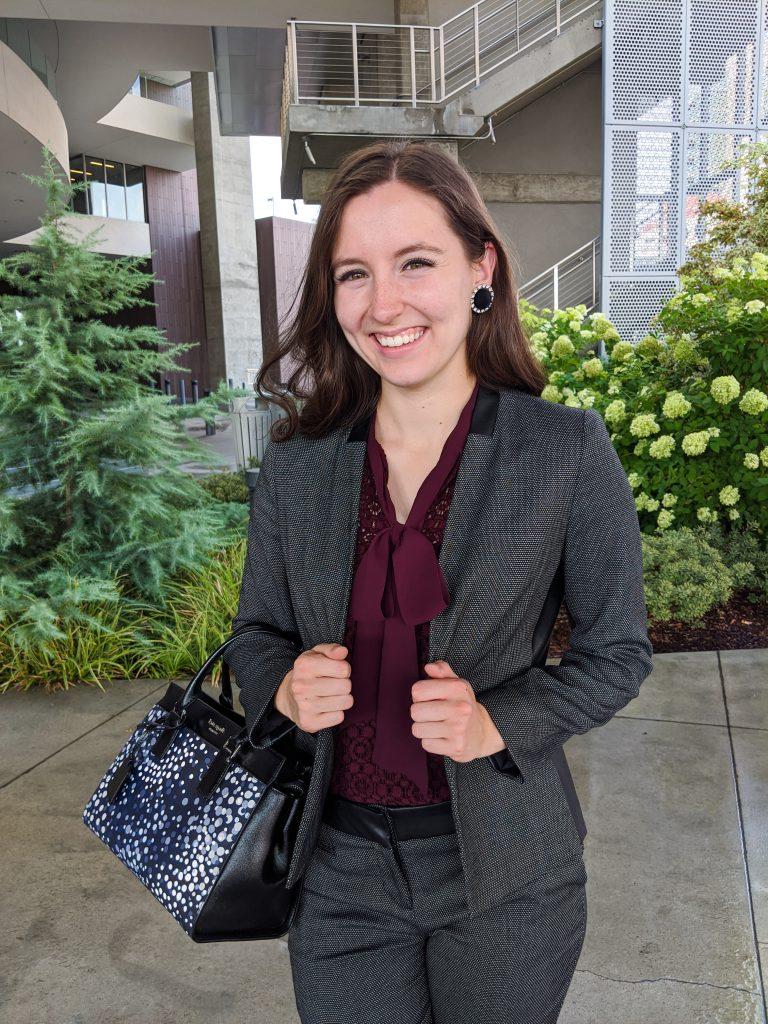 tie-neck-blouse-banana-republic-fall-style-corporate-attire