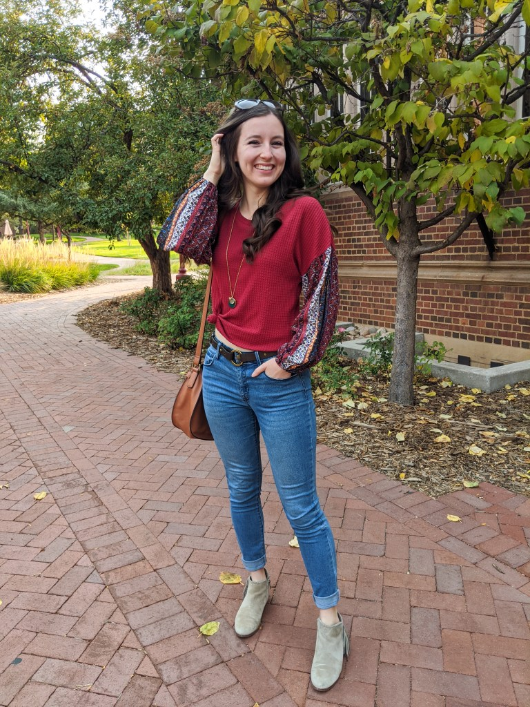 skinny-jeans-college-fashion-fall-trends-statement-sleeves