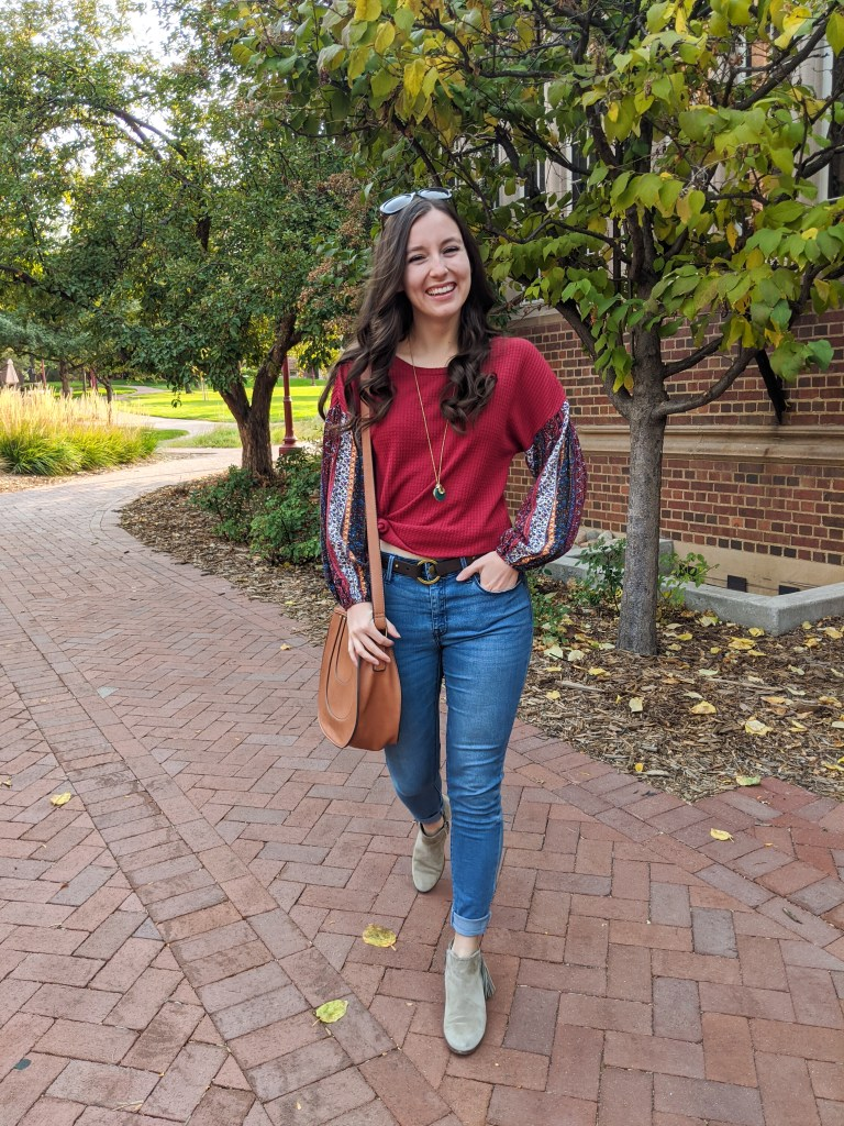 skinny-jeans-saddle-bag-curled-hair-college-style