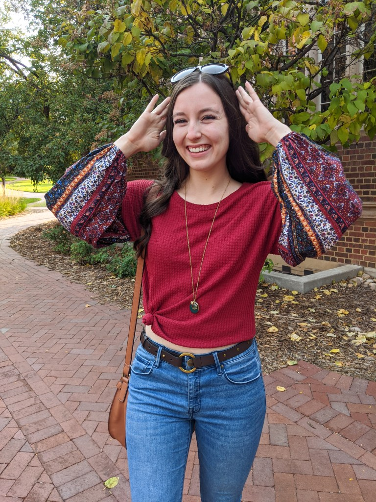 college-fashion-blogger-bishop-sleeves