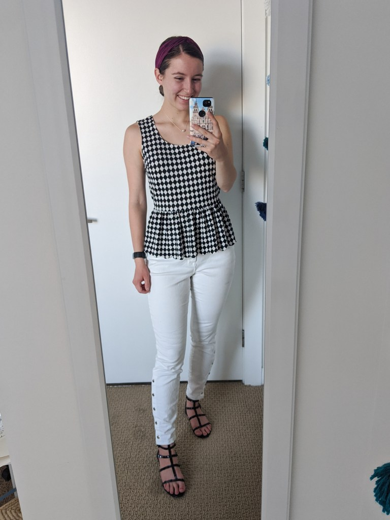checkered-top-white-jeans-fall-style-transitional-outfit