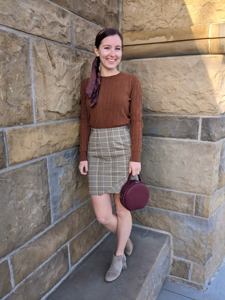classy-style-vintage-inspired-fall-outfit-plaid-cableknit