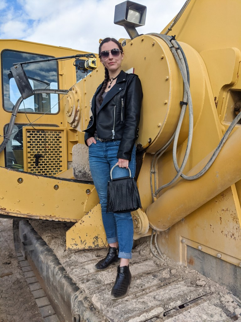 edgy-fashion-construction-equipment-style-blogger-denver-fashion