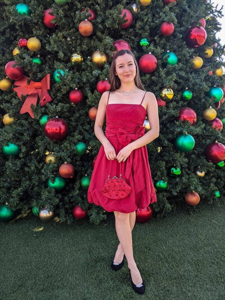 Christmas-outfit-holiday-style-red-thrifted-dress