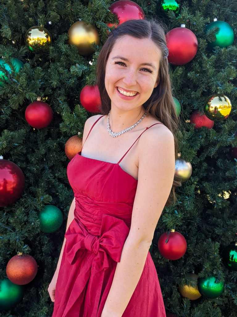 Christmas-dress-thrifted-BCBG-rouched-bows