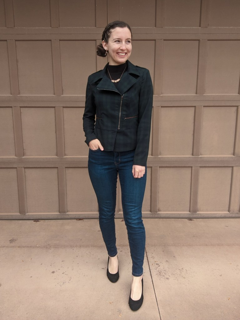 christmas-outfit-plaid-jacket-cabi-clothing-rose-gold