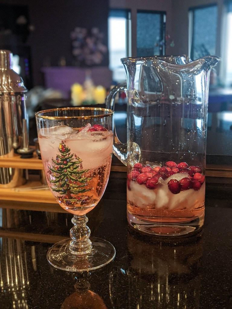 jingle-juice-cranberries-vodka-cocktail