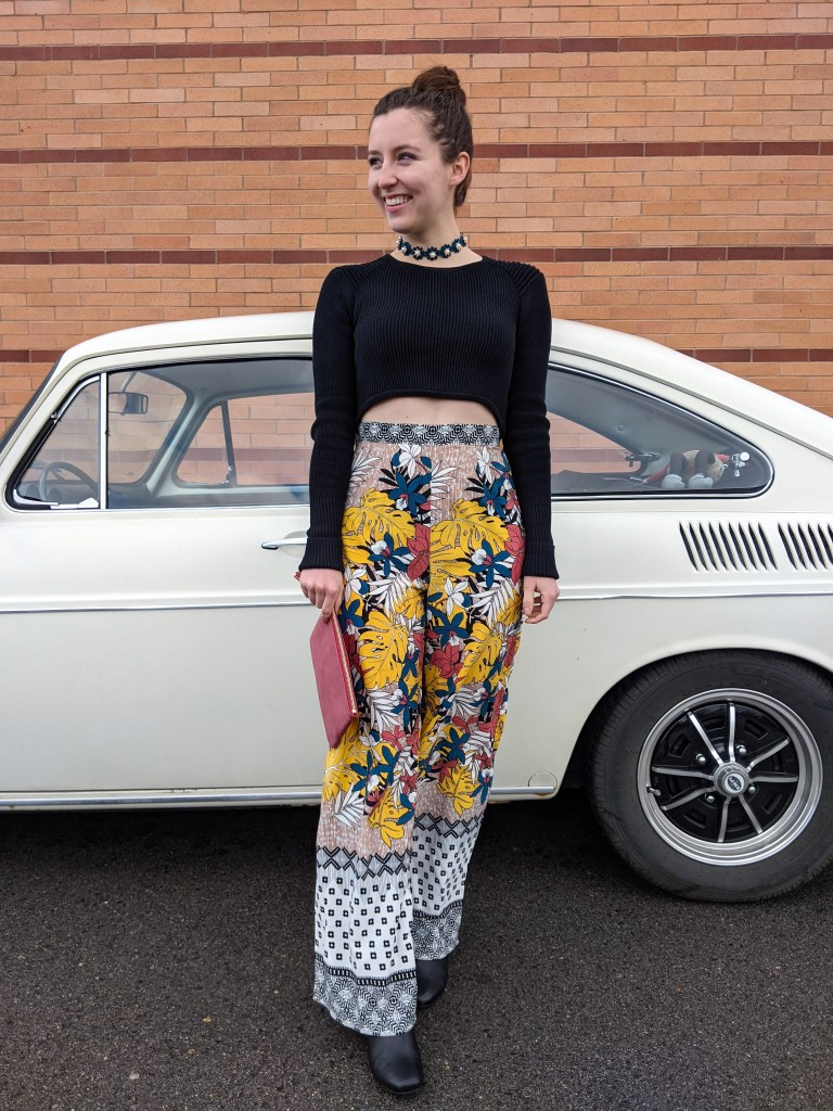 70s-style-printed-pants-bellbottoms-fastback