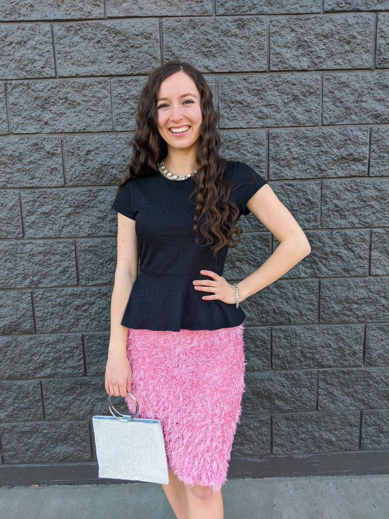 valentine's-day-outfit-pink-skirt-black-peplum-sparkly-necklace