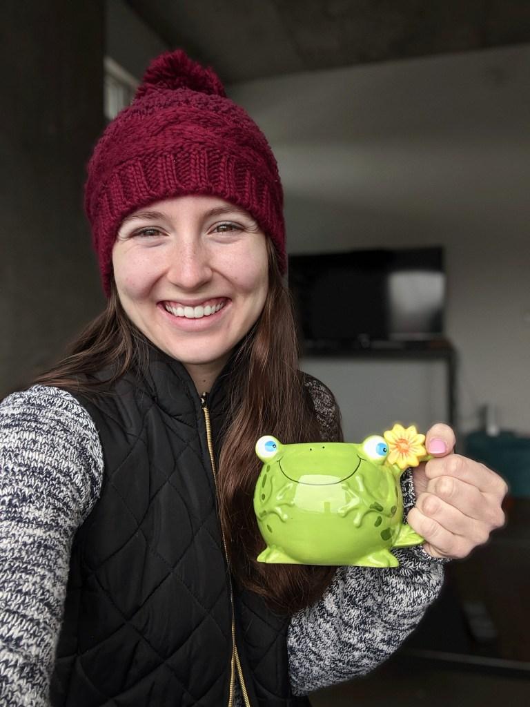 maroon-beanie-francesca's-frog-mug-black-vest