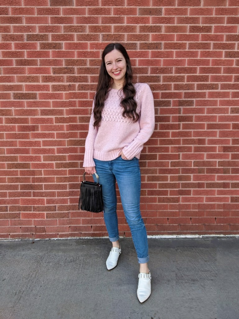college-linkup-casual-outfit-pink-sweater