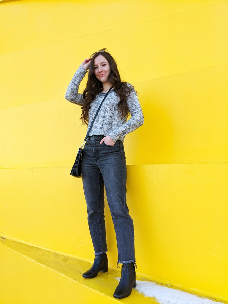 aviators-grey-on-grey-edgy-college-style-blogger