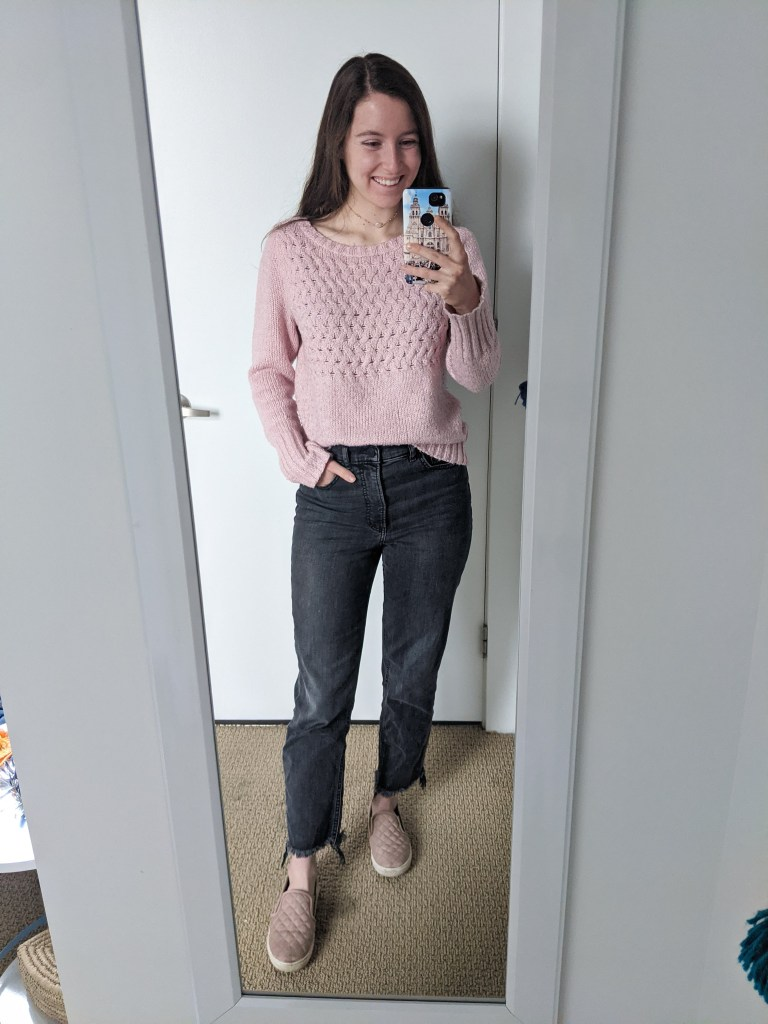 pink-sweater-grey-mom-jeans-express-steve-madden-quilted-sneakers
