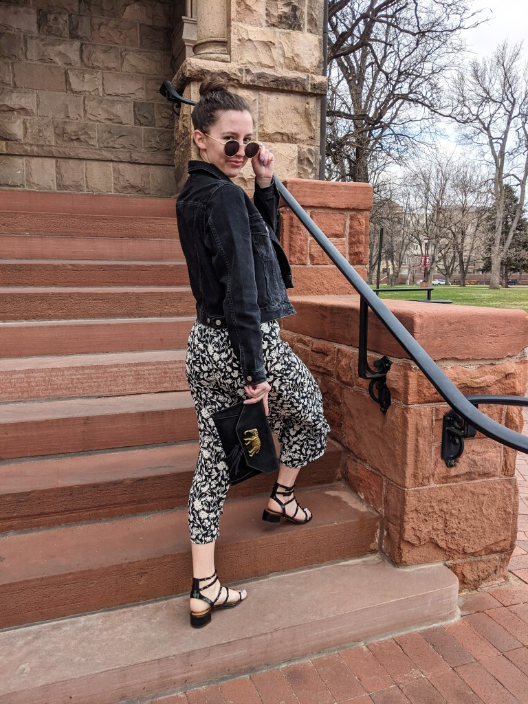 black-sandals-elephant-purse-spring-outfit-neutrals