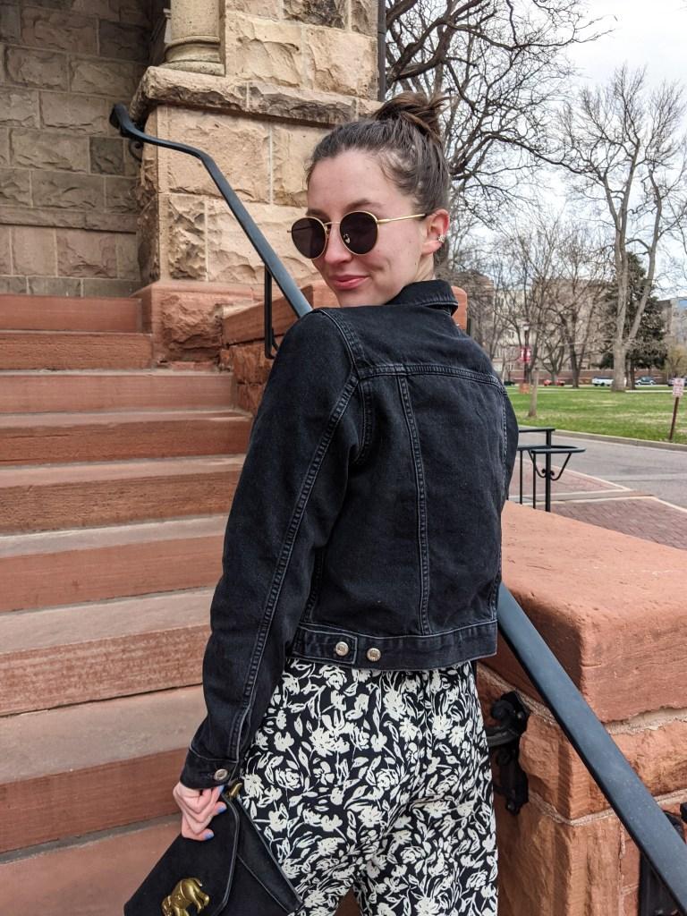 black-denim-jacket-topshop-nordstrom-round-sunglasses