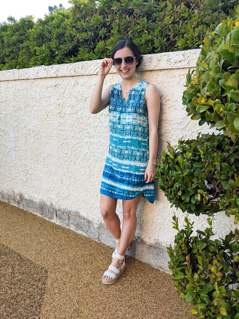 vacation-outfit-secondhand-handmedowns-blue-summery-dress