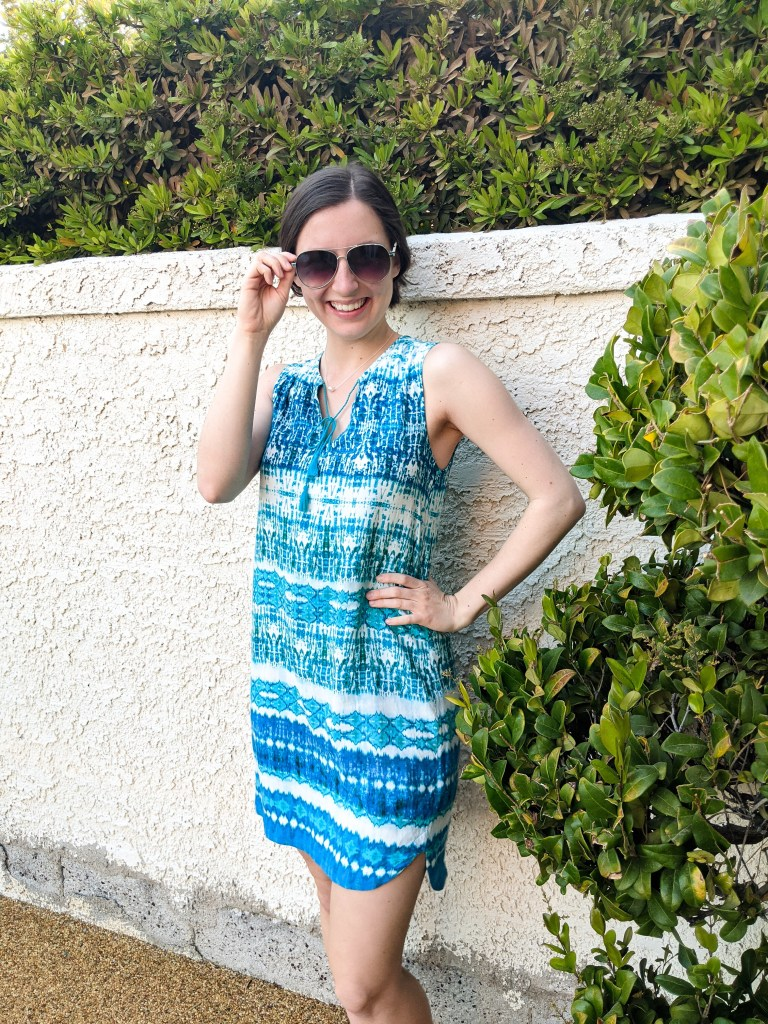 aviator-sunglasses-shift-dress-vacation-wear