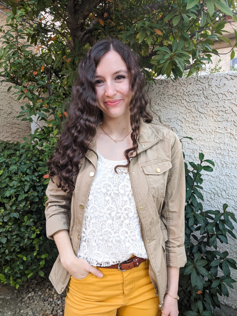 crimped-hair-crochet-top-yellow-pants