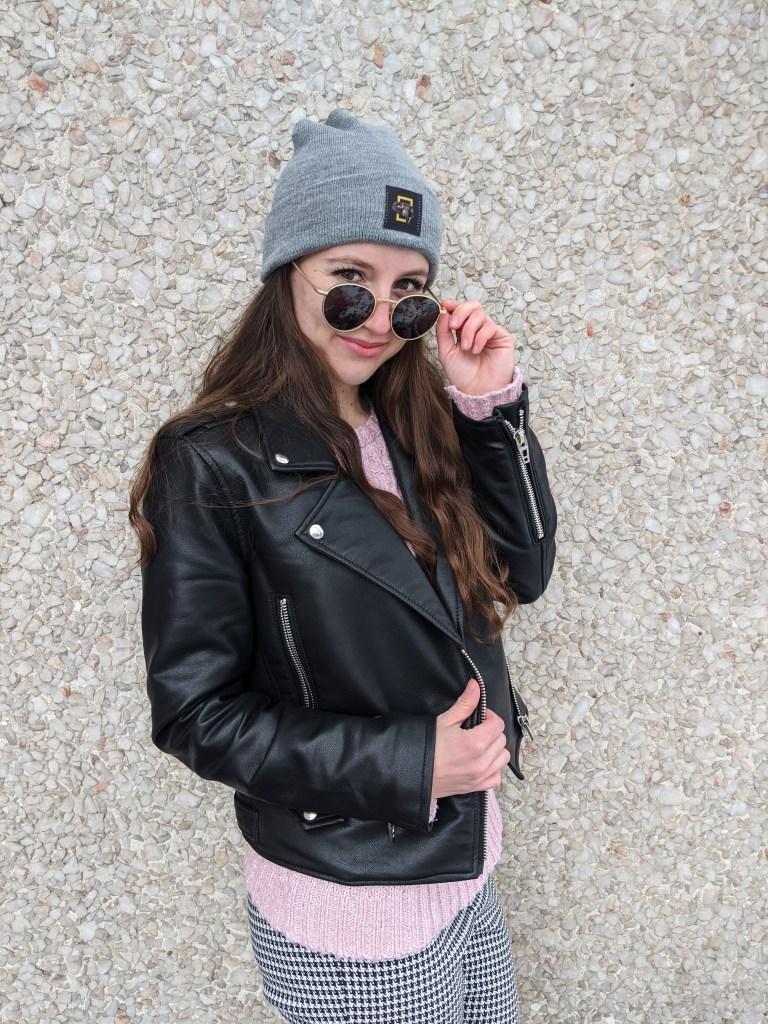 round-sunglasses-black-leather-jacket-round-sunglasses