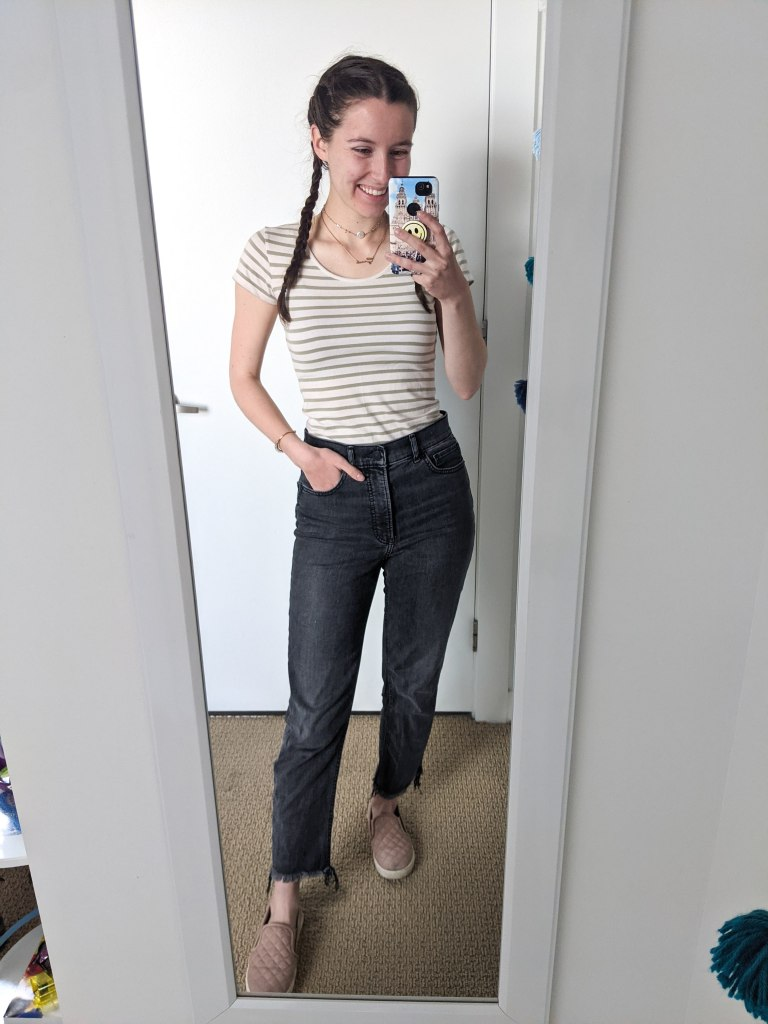 green-striped-tee-grey-mom-jeans-pink-sneakers