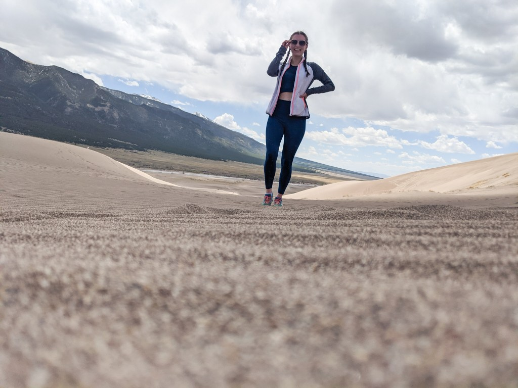 colorado-blogger-sand-dunes-camping-joylab-workout-set