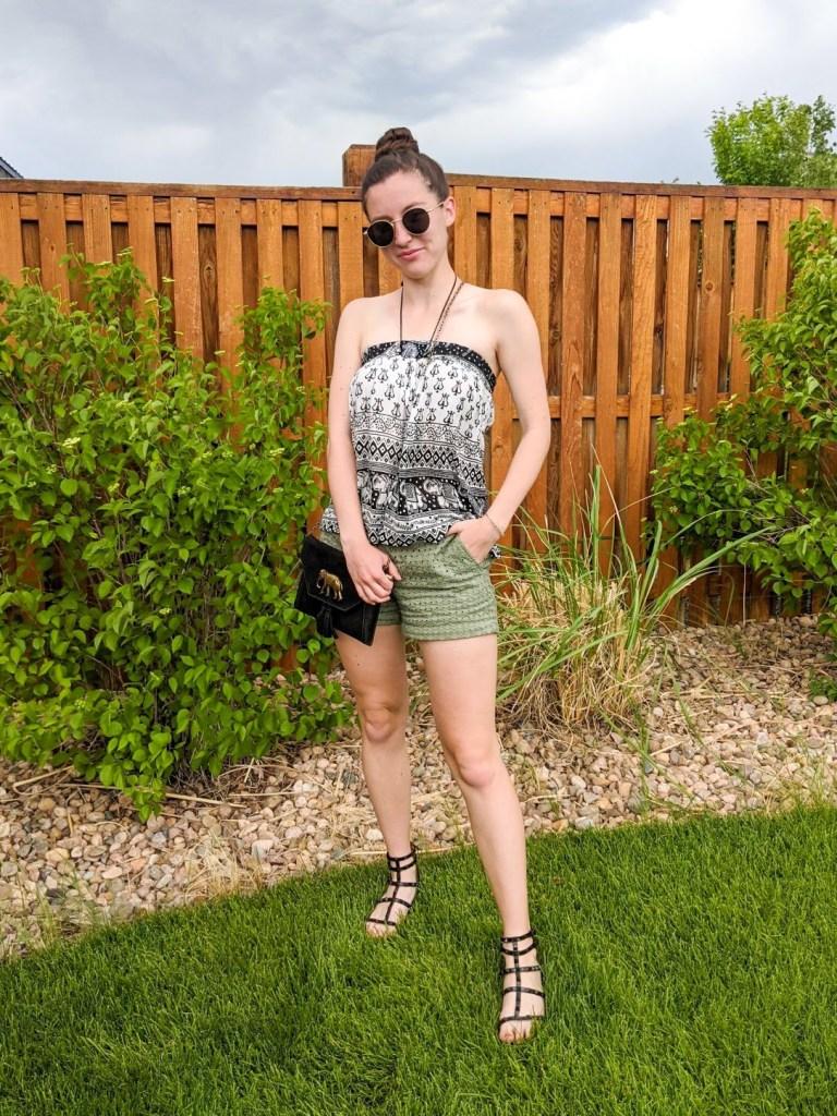 halter-top-green-loft-shorts-black-purse-black-sandals