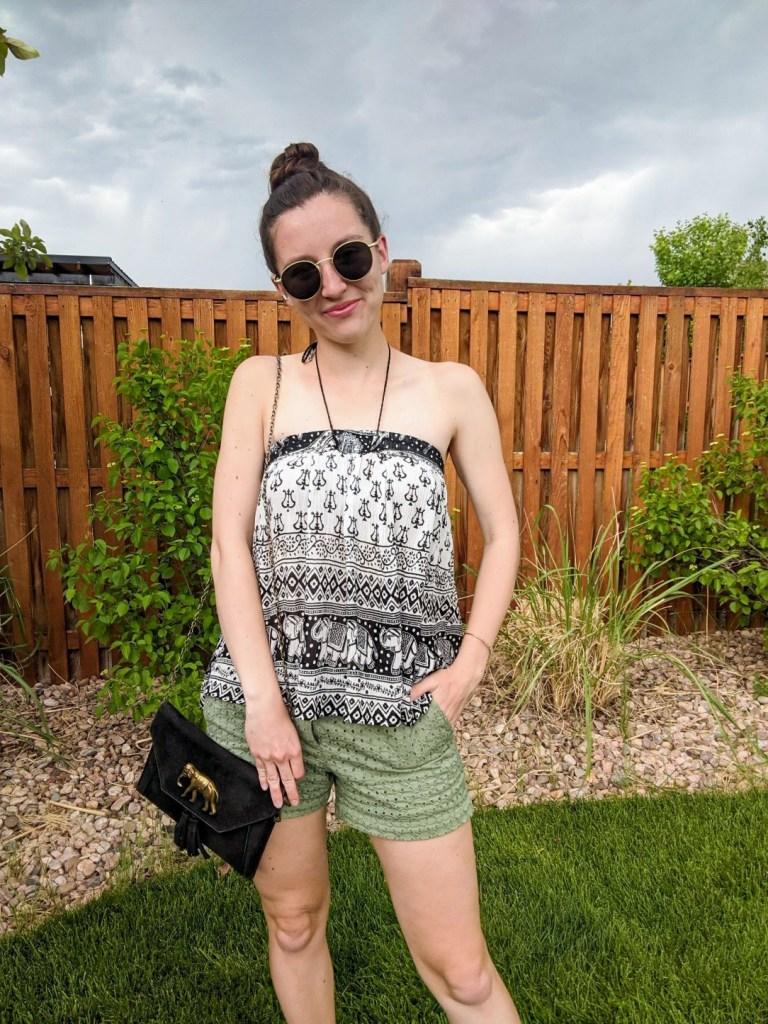 college-blogger-edgy-style-elephant-purse-round-sunglasses