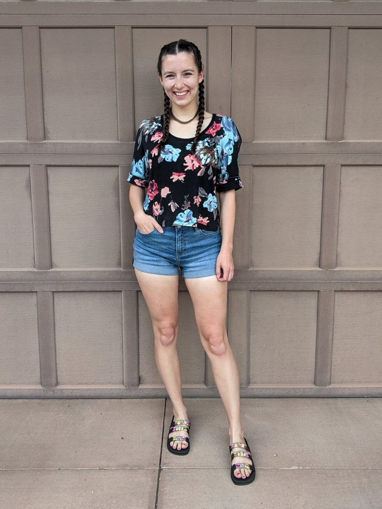 floral-tee-denim-shorts-beaded-sandals-summer-style