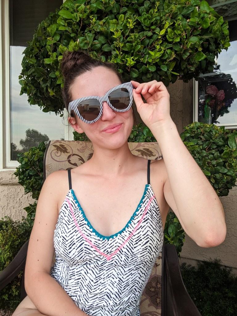 black-white-swimsuit-striped-sunglasses-summer-style