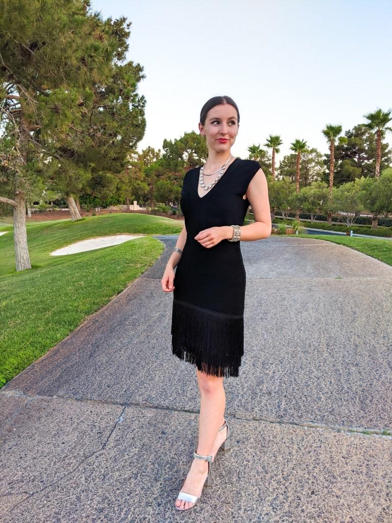 red-lipstick-black-dress-silver-heels-dressed-up