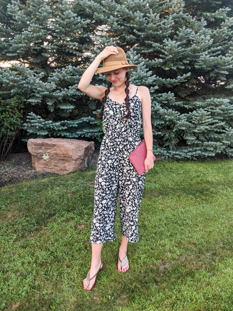floral-jumpsuit-brown-sandals-summer-style-college-fashion