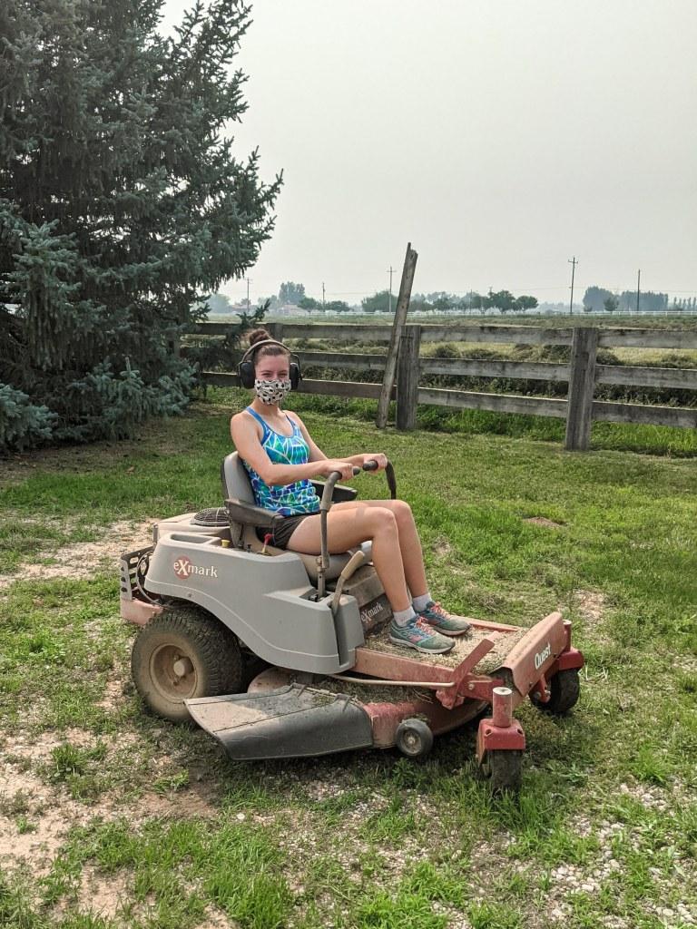 lawnmower-mowing-lawn-farm-chores