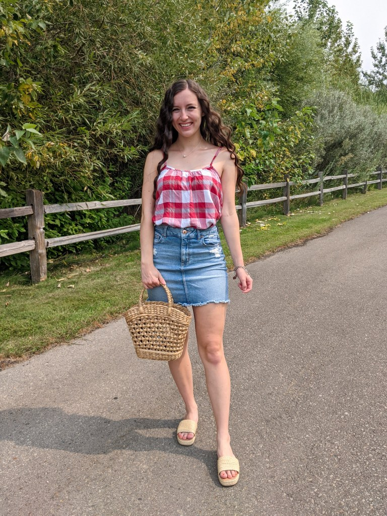 college-fashion-blogger-red-gingham